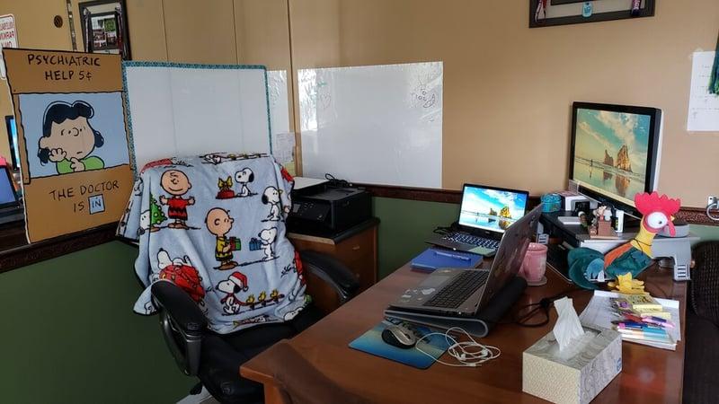Kim+-+Desk